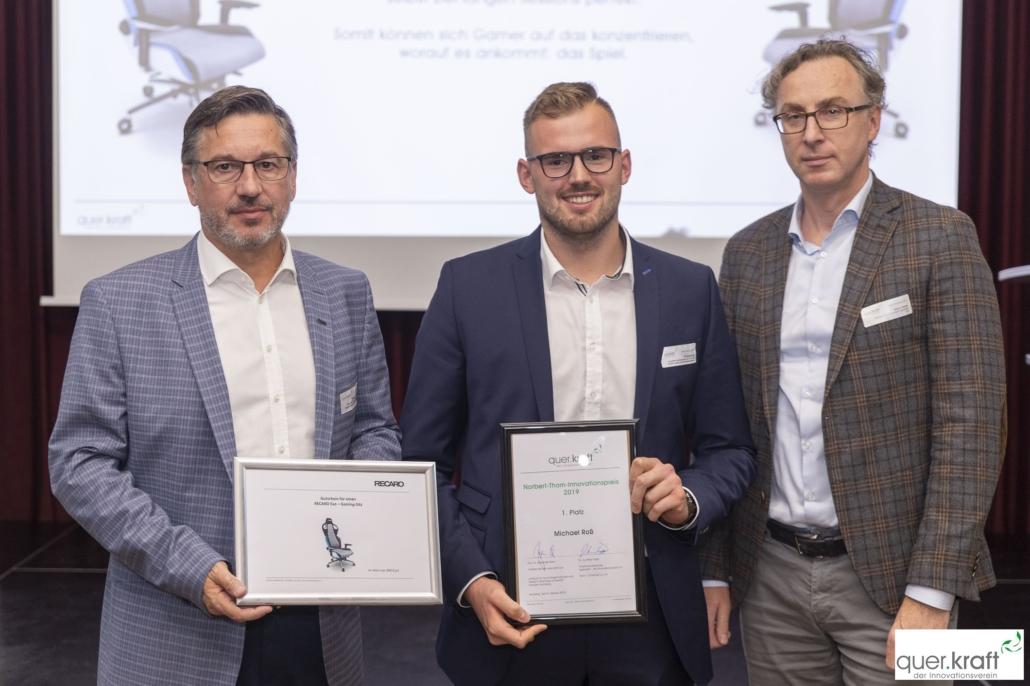 Preisübergabe 1. Platz des Norbert-Thom-Innovationspreises an Michael Roß